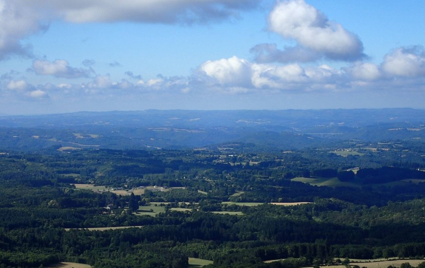 Location de vacances - Gîte à Saint-Hilaire-les-Courbes - La belle Corrèze....