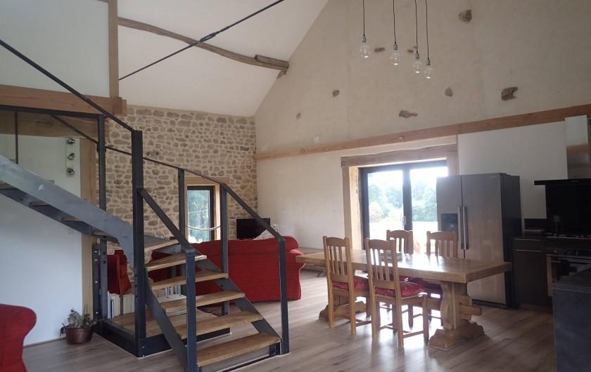 Location de vacances - Gîte à Saint-Hilaire-les-Courbes - Le piece de sejour.....