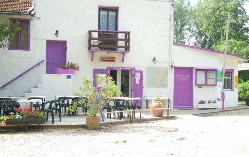 Location de vacances - Camping à Saint-Rambert-d'Albon - ACCUEIL/BAR/SNACK/EPICERIE