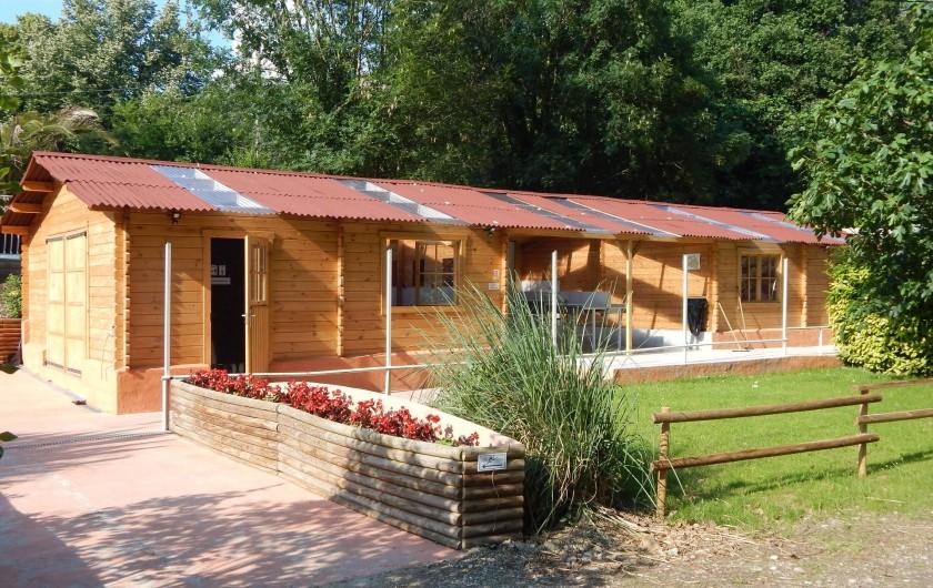 Location de vacances - Camping à Saint-Rambert-d'Albon - BÂTIMENT SANITAIRE
