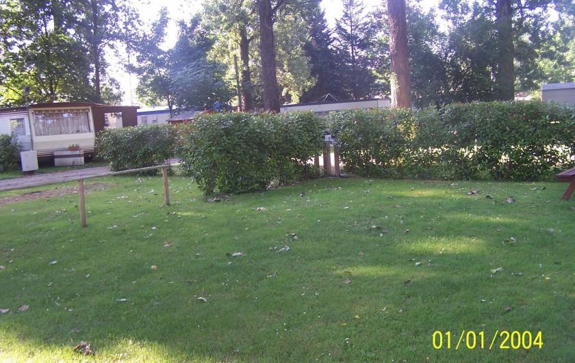 Location de vacances - Camping à Saint-Rambert-d'Albon - EMPLACEMENTS HOMBRAGES