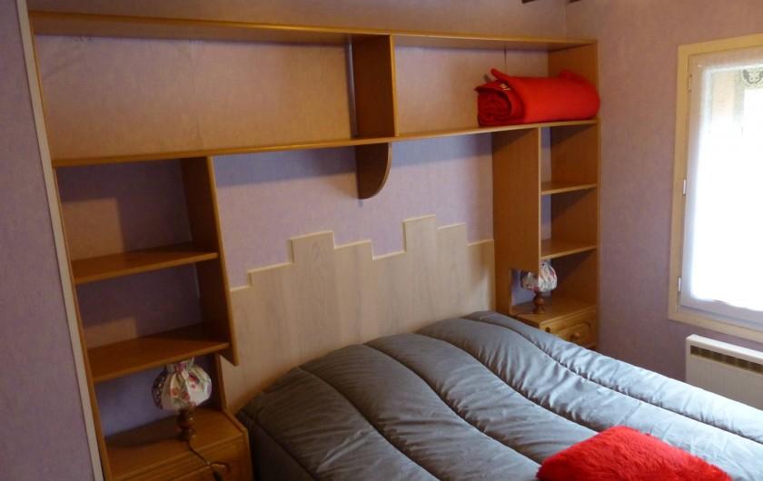 Location de vacances - Gîte à Ramonchamp - La chambre à coucher
