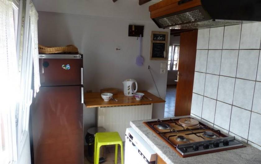 Location de vacances - Gîte à Ramonchamp - Coin de table dans la cuisine pour un petit déjeuner à deux