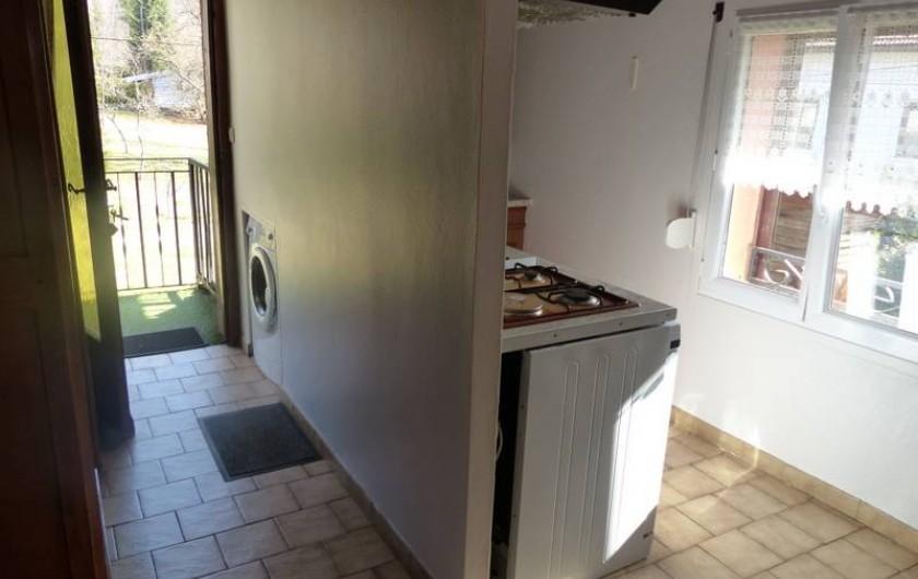 Location de vacances - Gîte à Ramonchamp - L'entrée et la cuisine