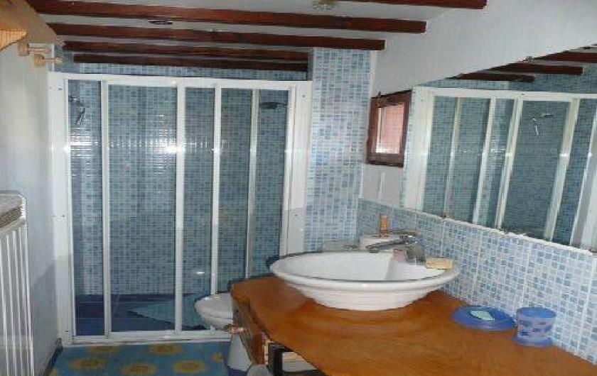 Location de vacances - Gîte à Ramonchamp - La salle de bains