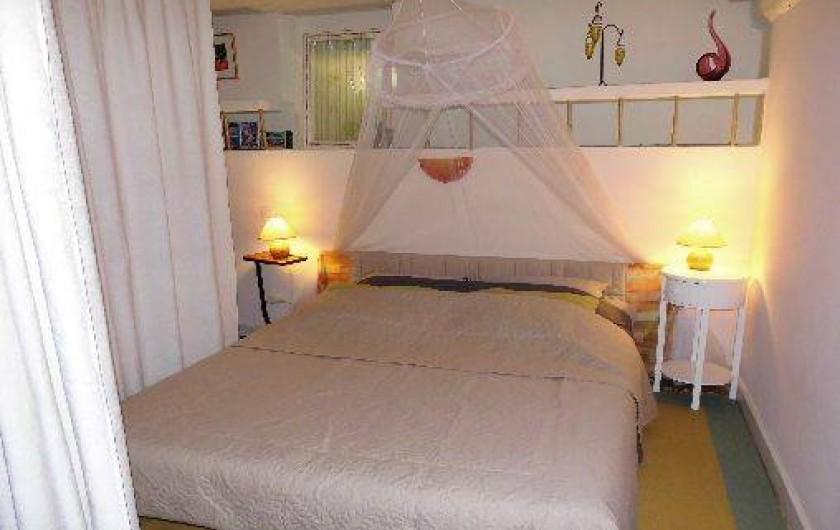 Location de vacances - Gîte à Le Trioulou - lit de qualité pour 2 personnes