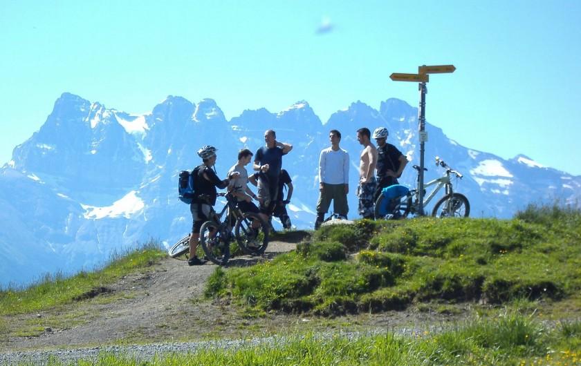 Location de vacances - Chalet à Châtel - journée  Passportes du soleil    vtt