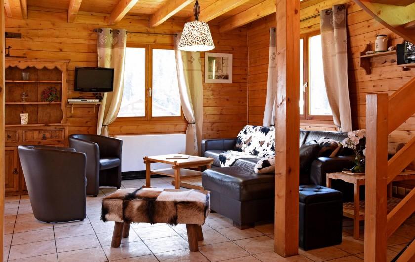 Location de vacances - Chalet à Châtel - grand sofa