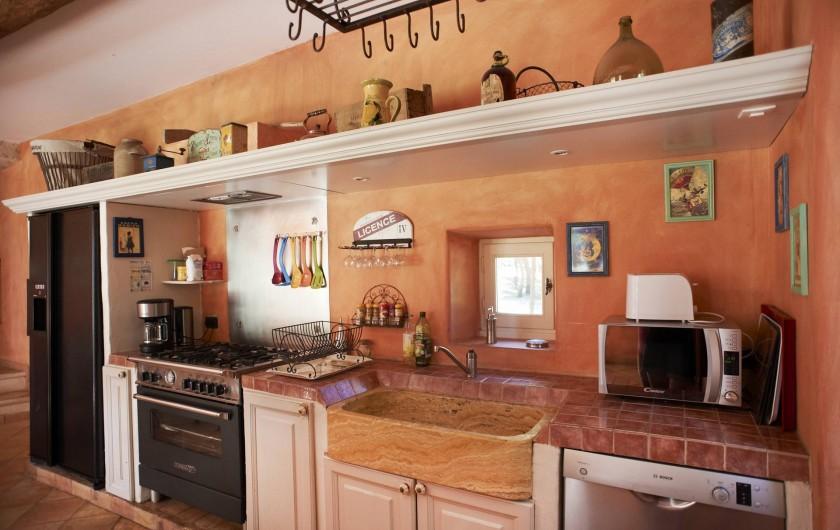 Location de vacances - Mas à Saint-Restitut - Une cuisine agréable