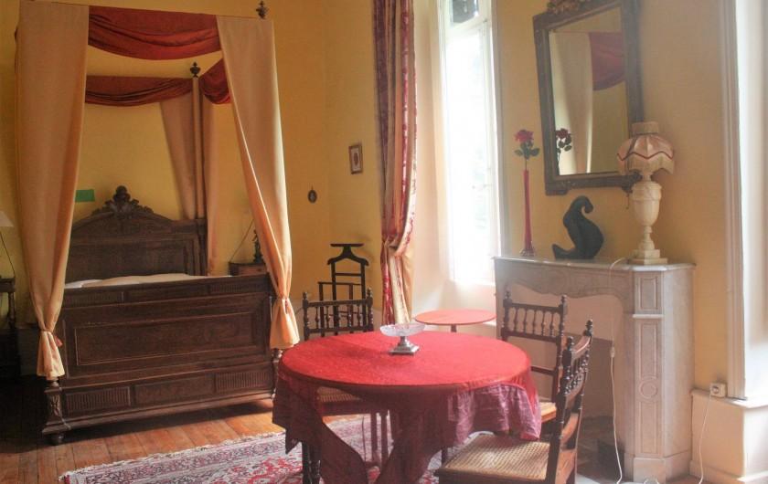 Location de vacances - Château - Manoir à Burzet - Chambre Estelle 4 pers