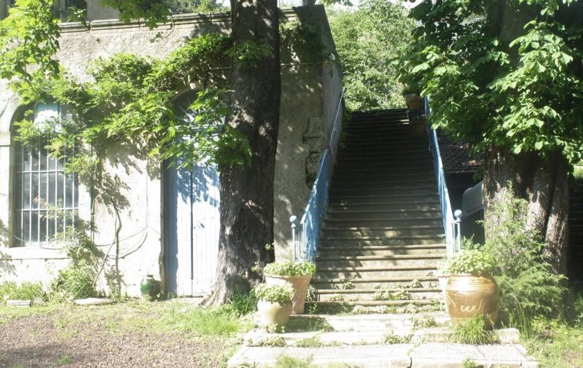 Location de vacances - Château - Manoir à Burzet - Entrée des maitres