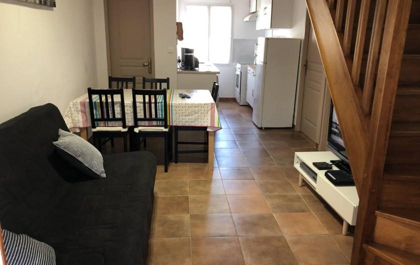 Location de vacances - Maison - Villa à Propriano - VUE D'ENSEMBLE COIN REPAS ET  KITCHINETTE