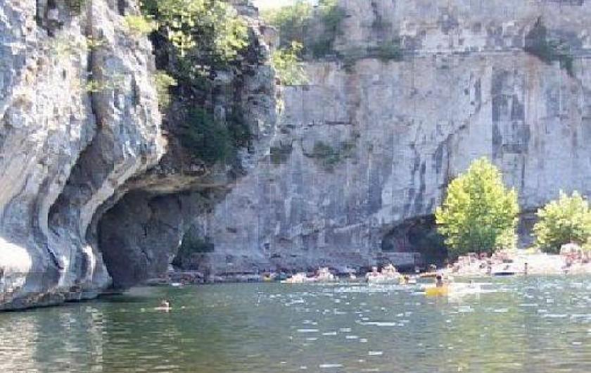 Location de vacances - Villa à Les Salelles - baignade à proximité