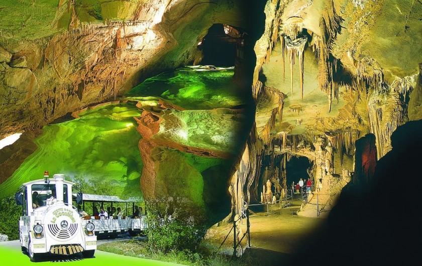 Location de vacances - Villa à Les Salelles - grotte de la coqualière, une  des 3 plus belles grottes de France