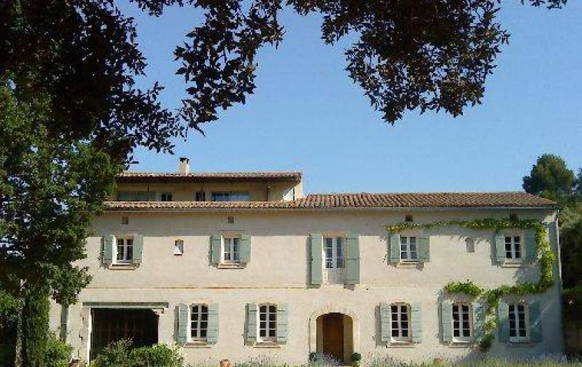 Bastide monte crau eyragues dans les bouches du rh ne for Chambre d hotes saint remy de provence