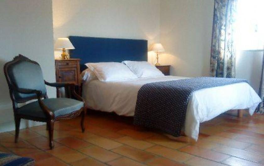 Bastide monte crau eyragues dans les bouches du rh ne - Chambre d hote saint remy de provence ...