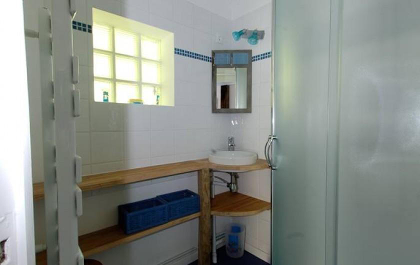 Location de vacances - Gîte à Guitres - Salle d'eau  Gite le Coutrillon