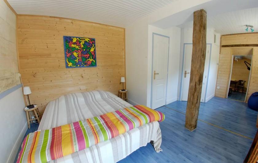 Location de vacances - Gîte à Guitres - Chambre lit 160 cm Gite le Coutrillon