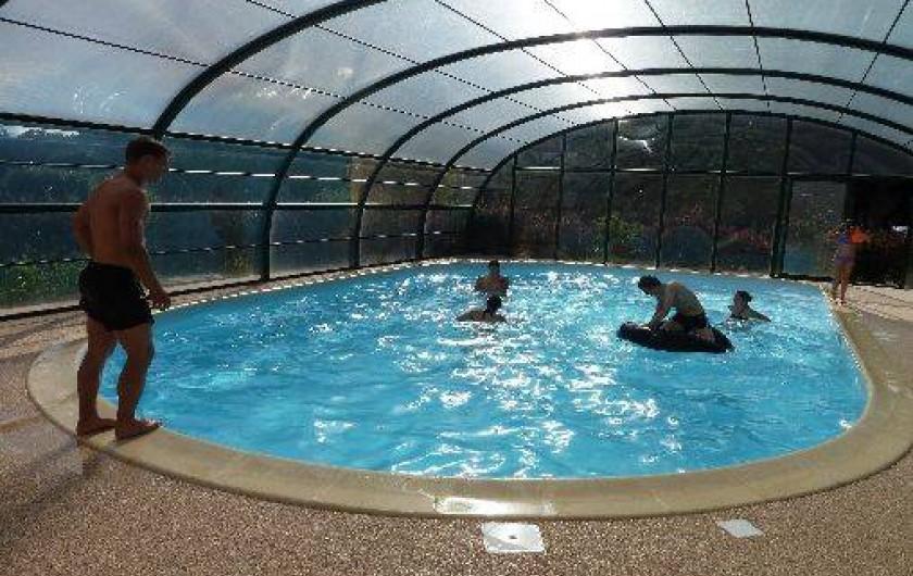 G te de france 3 pis 3 toiles avec piscine nargis en for Centre de vacances avec piscine couverte