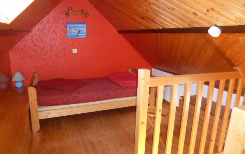 Location de vacances - Gîte à Bieuzy - lit  en mezzanine