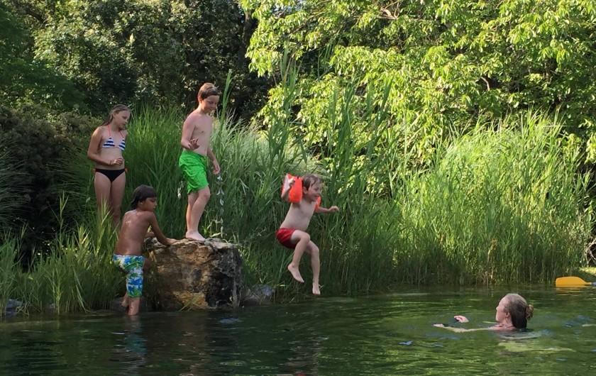 Location de vacances - Gîte à Saint-Cybranet - bassin de baignade
