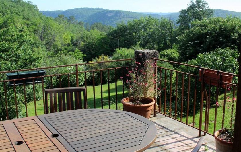 Location de vacances - Gîte à Saint-Cybranet - terrasse nord vue dominante