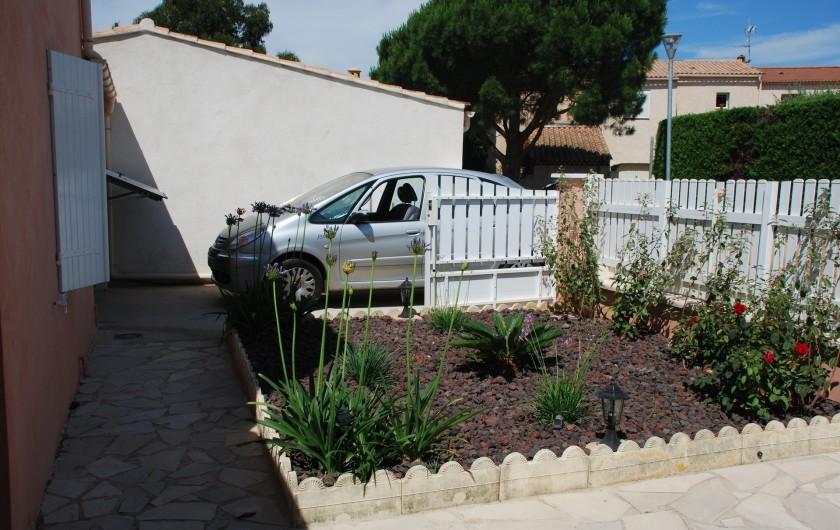 Location de vacances - Villa à La Londe-les-Maures - Devant garage