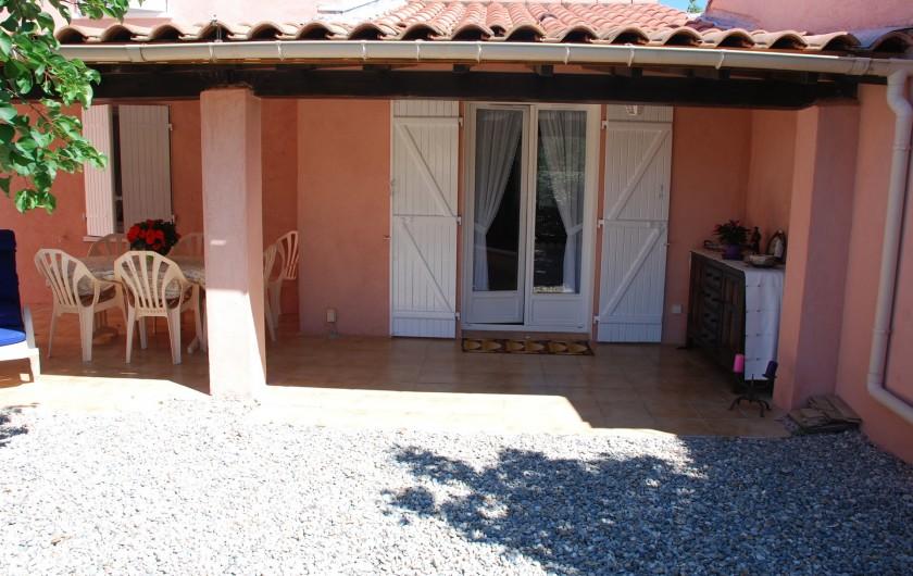Location de vacances - Villa à La Londe-les-Maures - Jardin Côté terrasse