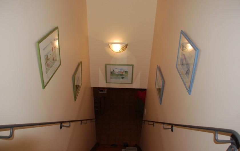 Location de vacances - Villa à La Londe-les-Maures - montée vers 1étage