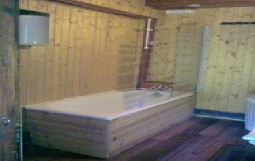 Location de vacances - Chalet à Taninges - salle de bain