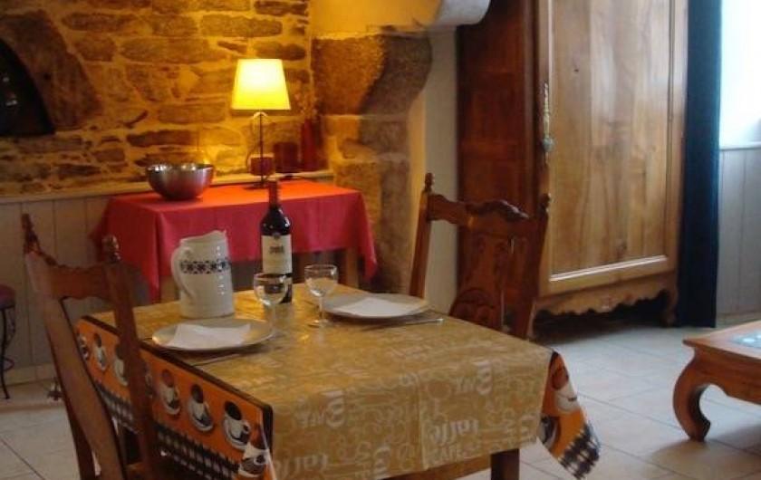 Location de vacances - Gîte à Melgven - Le coin repas