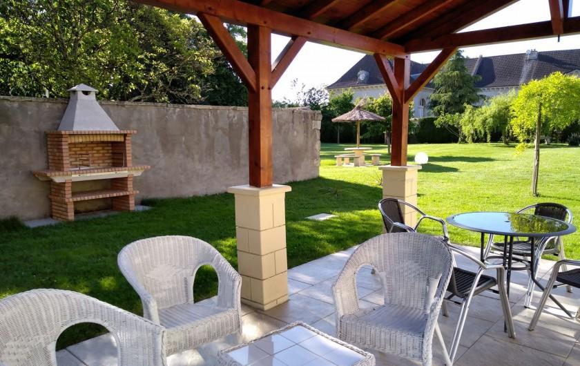 Location de vacances - Maison - Villa à Beaujeu-Saint-Vallier-Pierrejux-et-Quitteur - Barbecue