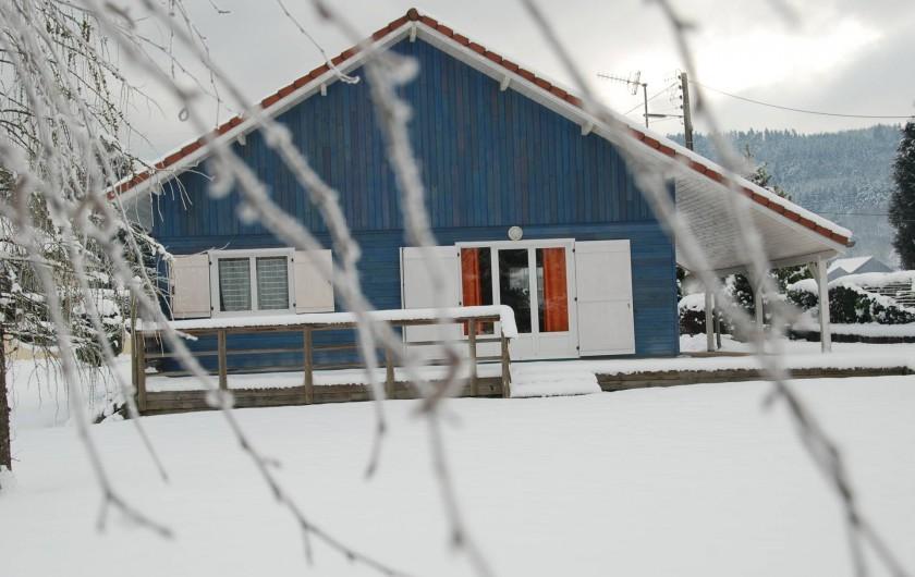 Location de vacances - Chalet à Saint-Léonard - Façade Ouest, avec aperçu du couvert pour 2 voitures