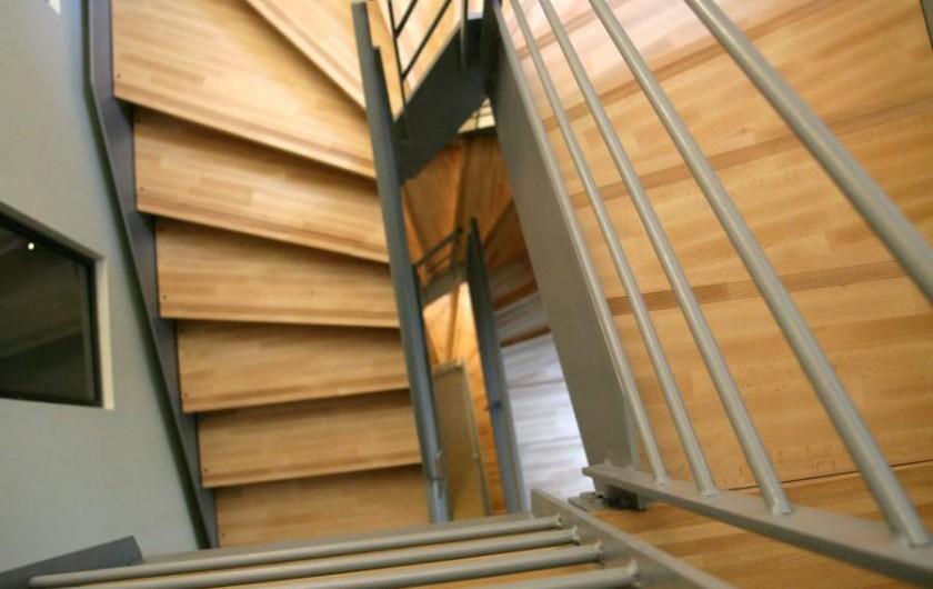 Location de vacances - Maison - Villa à Ménerbes - Escalier
