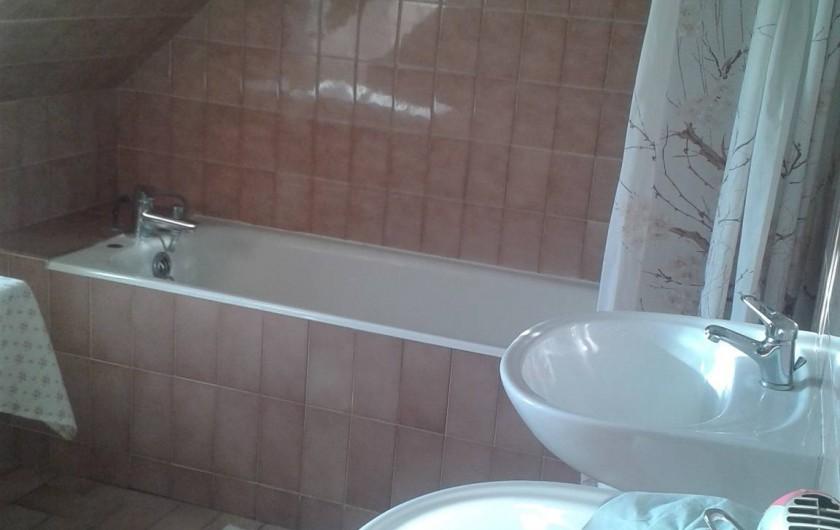 Location de vacances - Gîte à Saint-Aubin-sur-Mer - salle de bain 2ème étage