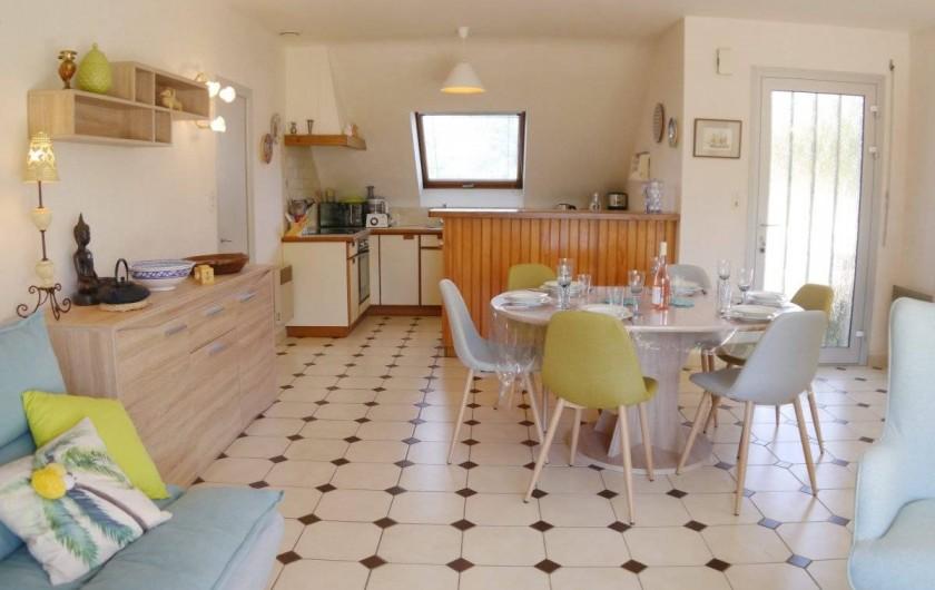 Location de vacances - Maison - Villa à Fouesnant - Cuisine ouverte sur la pièce de vie
