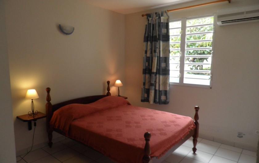 Location de vacances - Appartement à Les Anses-d'Arlet - Chambre avec lit 2 places.