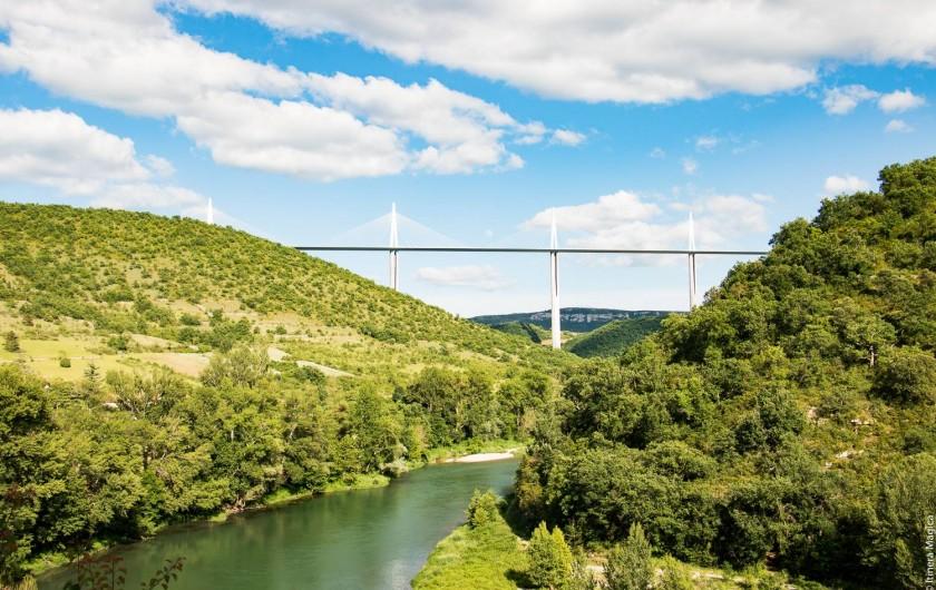 Location de vacances - Gîte à Millau - le Viaduc le plus haut du monde