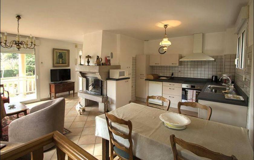 Location de vacances - Gîte à Millau - Coin cuisine - grande salle à manger