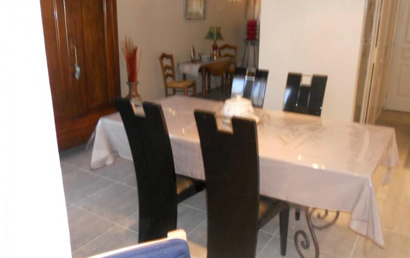 Location de vacances - Maison - Villa à Manosque - Salle à manger hall escalier