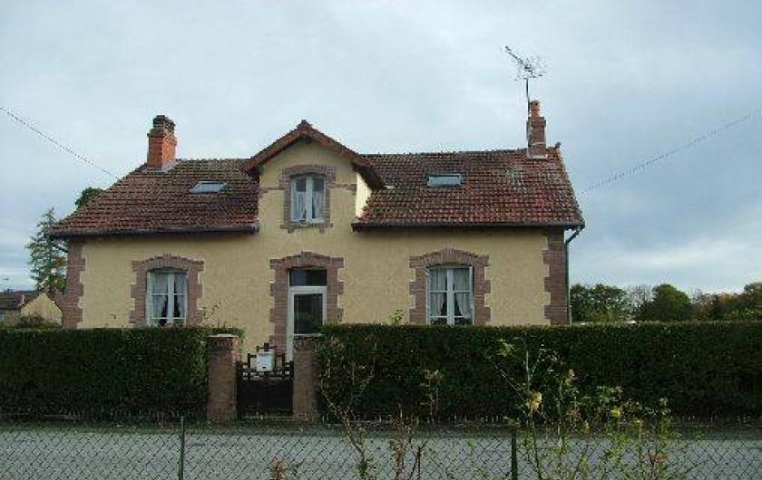 Location de vacances - Villa à Saint-Sulpice-les-Champs - FACADE RUE