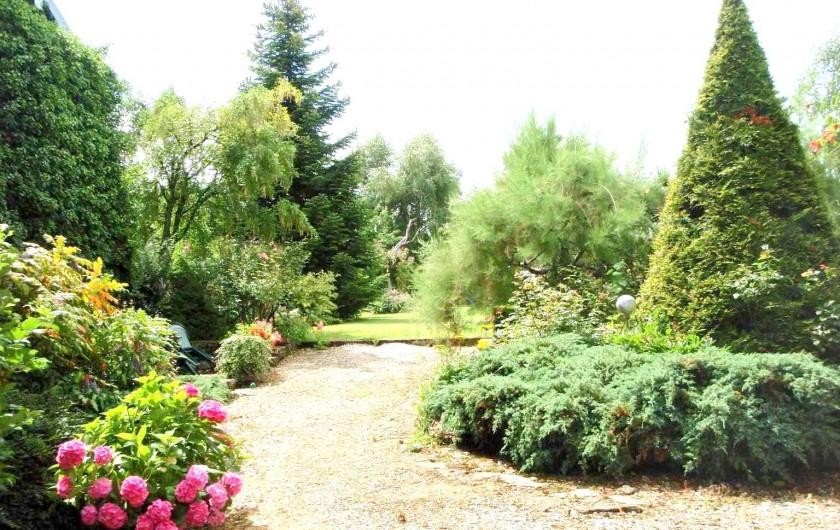 Location de vacances - Gîte à Sancey-le-Grand - entrée du parc