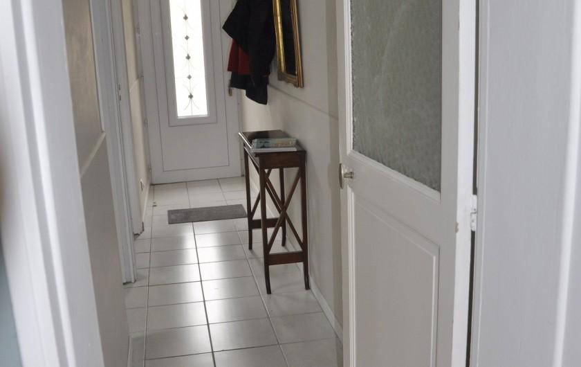 Location de vacances - Villa à Les Sables-d'Olonne - couloir d'entrée