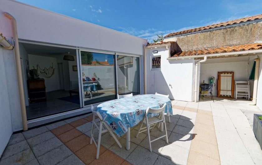 Location de vacances - Villa à Les Sables-d'Olonne - cour