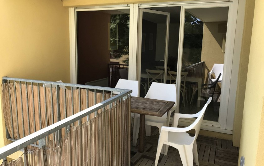 Location de vacances - Appartement à Aigues-Mortes - Terrasse