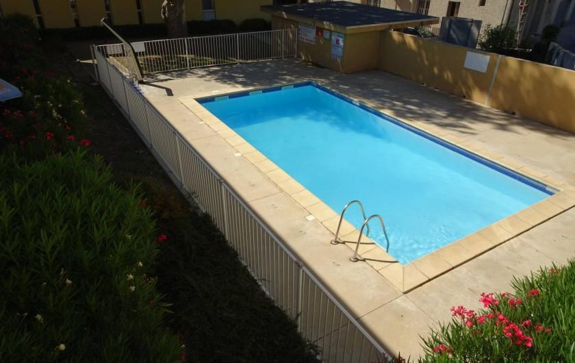 Location de vacances - Appartement à Aigues-Mortes - Piscine