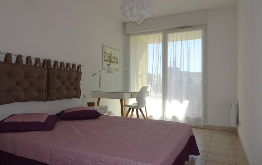 Location de vacances - Appartement à Aigues-Mortes - Chambre blanche