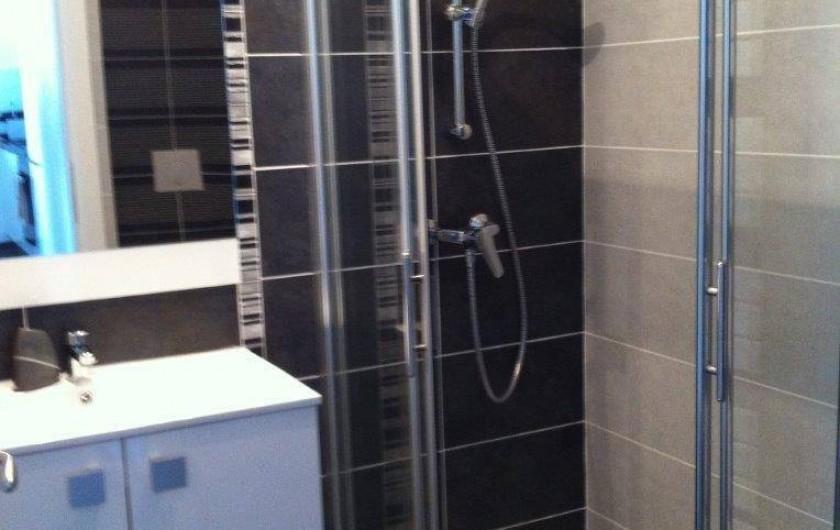 Location de vacances - Appartement à Calvi - Salle de douche 1