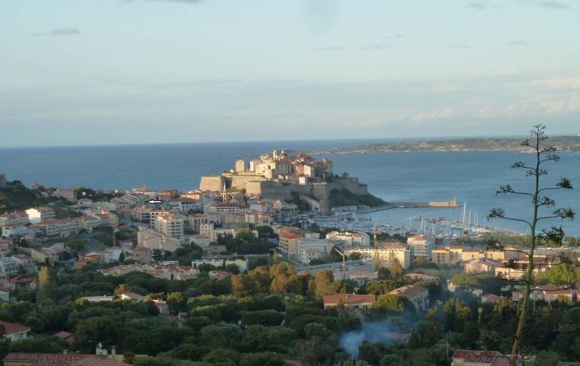 Location de vacances - Appartement à Calvi - Vue de la citadelle