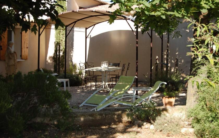 Location de vacances - Gîte à Aubignan - jardin